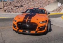 ford-mustang-shelby-gt500-2020-03-angle--black--exterior--front--orange--rear.jpg