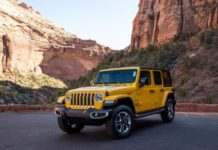 jeep-wrangler-unlimited-eco-diesel-2020-02-angle--exterior--front--mountains--yellow.jpg