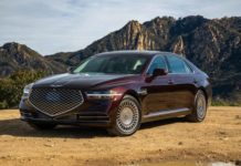 genesis-g90-3.3t-2020-03-angle--brown--exterior--front--red.jpg